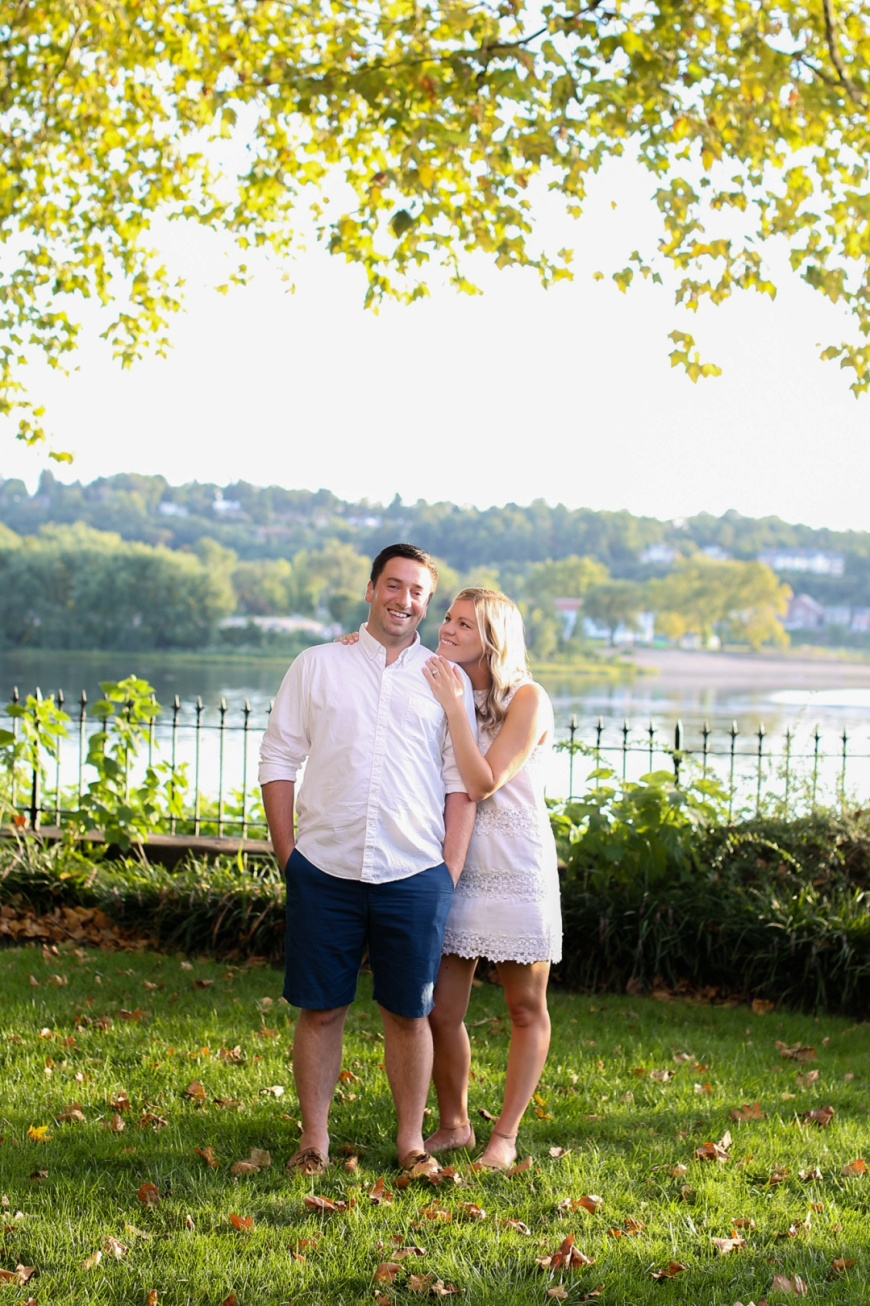Downtown-Harrisburg-Waterfront-Engagement-Photographer_1002.jpg