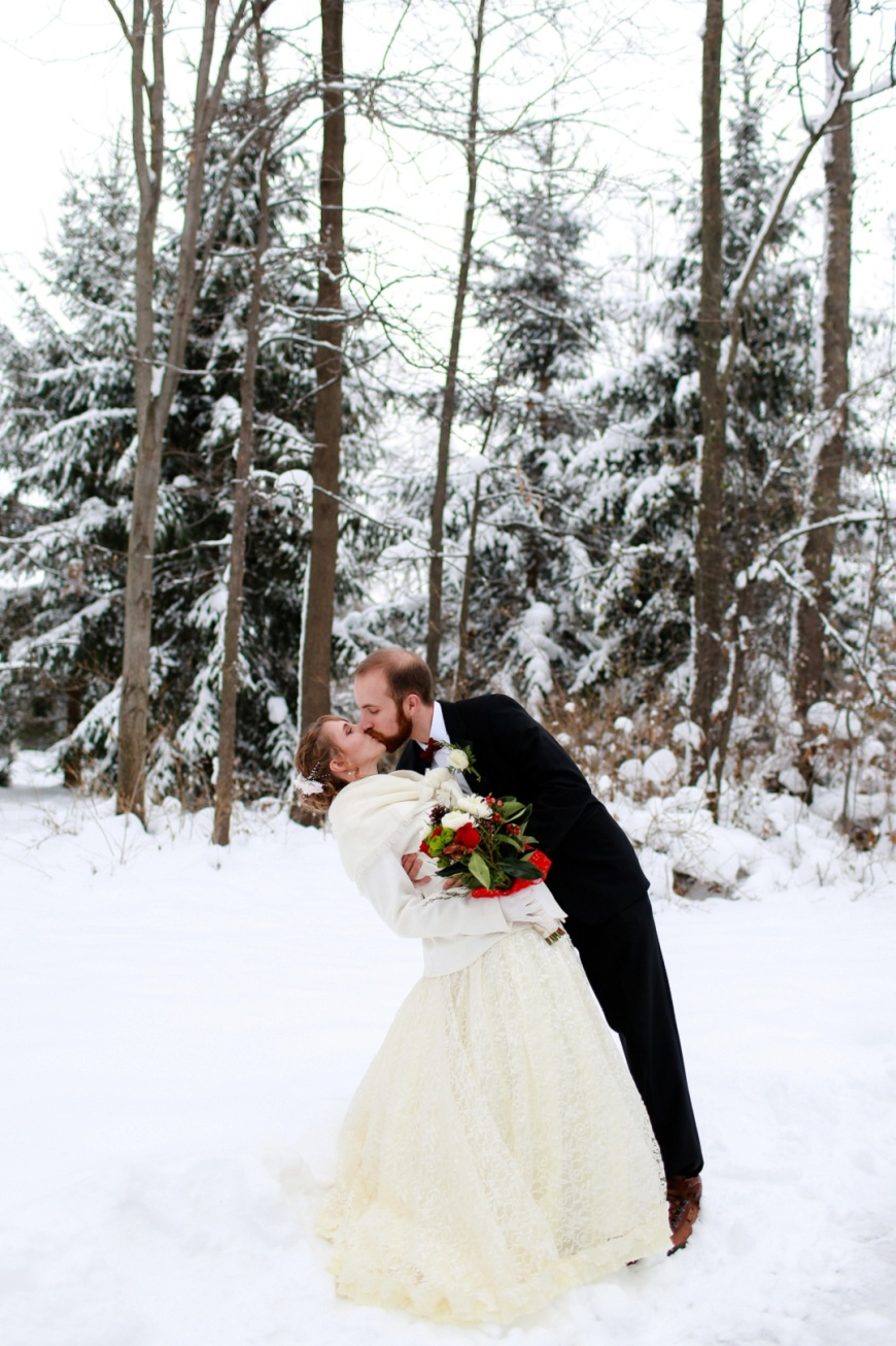 Kalamazoo-Winter-Wedding-Photographer_1041.jpg