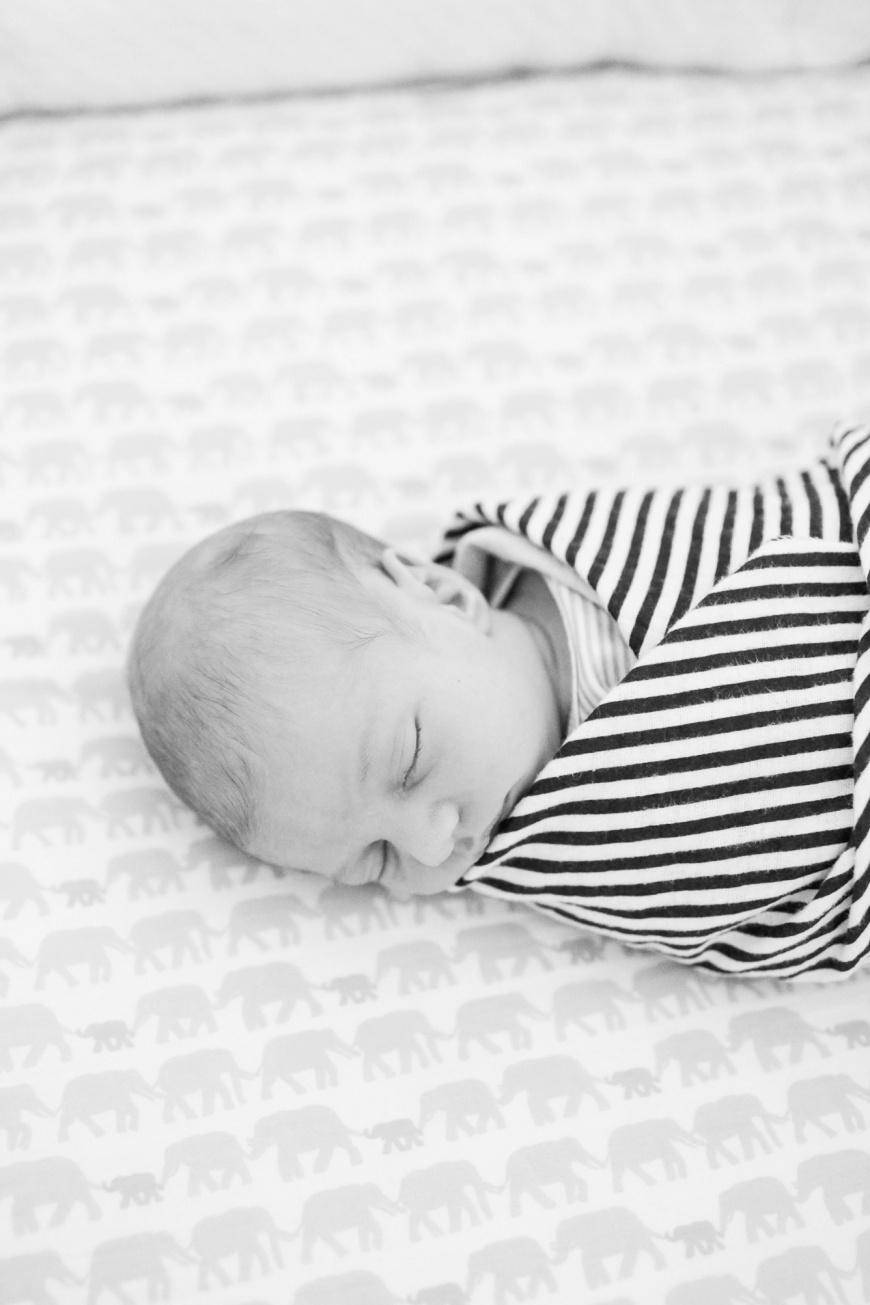 Emeryville-Newborn-Photographer_1025.jpg